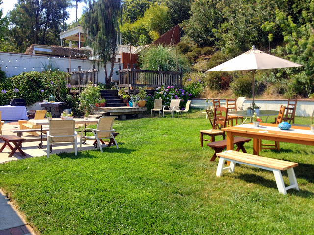 auction-fundraiser-backyard